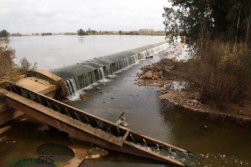Azud Badajoz inventario de barreras naturgis extremadura
