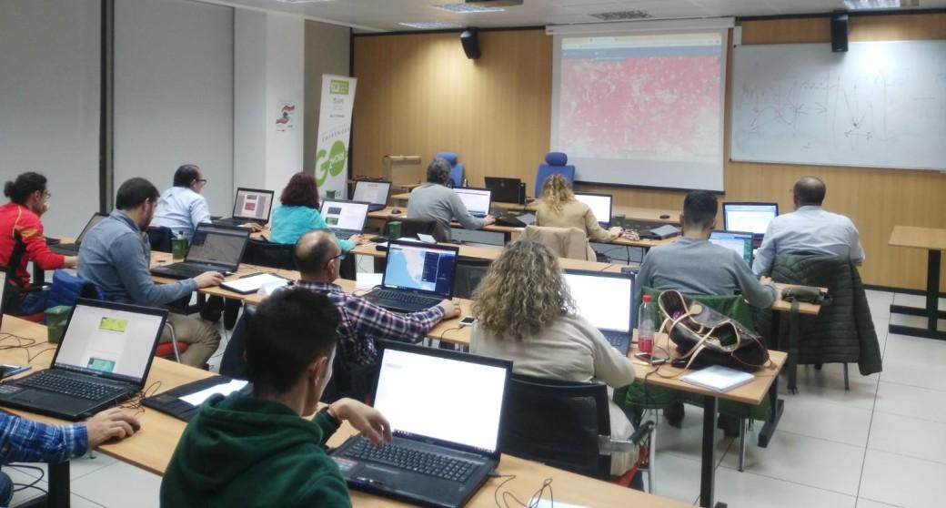 Formación en fotogrametría, teledetección y SIG en Extremadura
